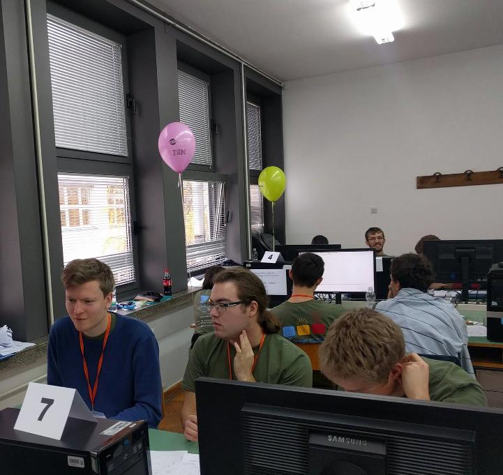 miniatura do artykułu Studenci Informatyki Analitycznej wicemistrzami Europy Środkowej w Programowaniu Zespołowym